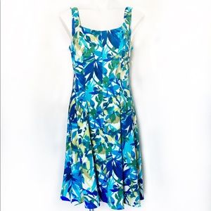 Connected Apparel floral pleated dress size 10